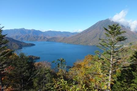 中禅寺湖展望台からの中禅寺湖&男体山
