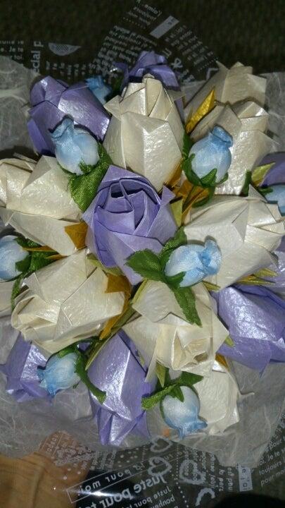 すべての折り紙 折り紙で作れるプレゼント : 折り紙でブーケ : まるで本物 ...