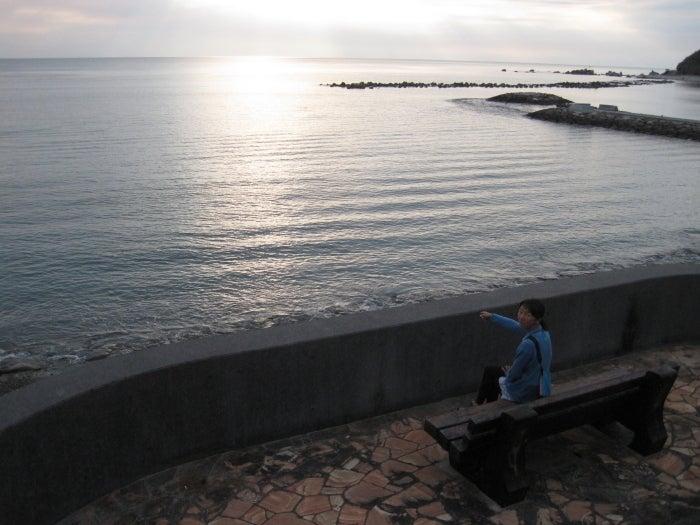 歩き人ふみの徒歩世界旅行 日本・台湾編-ベンチからの夕暮れ