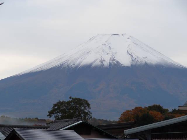 ルークのブログ-忍野八海から見た富士山