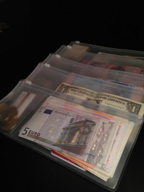 外貨の収納
