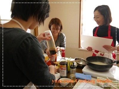 託児のある料理教室 【yum-yum Cooking Studio】 -レッスン風景