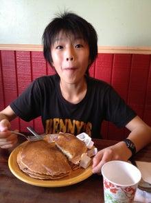 $hyangのひとりごと...-顔よりでかいパンケーキ