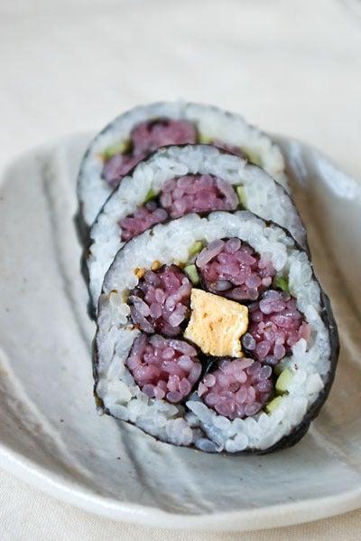 梅の花の飾り巻き寿司