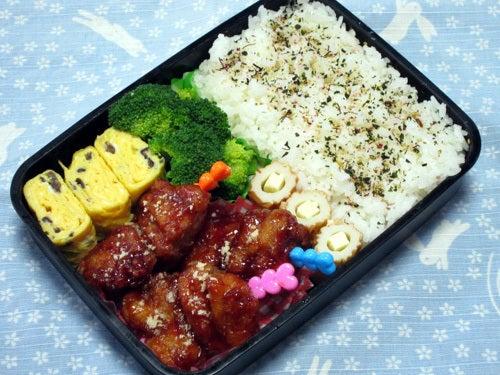 タッカンジョン(鶏肉の唐揚げ甘辛ソース)