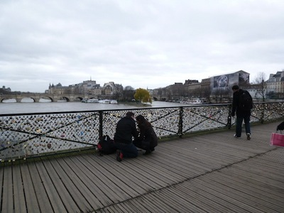かぎ橋と2人