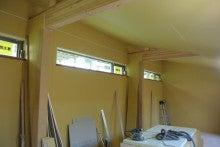 $家族を包む家-子供部屋勾配天井