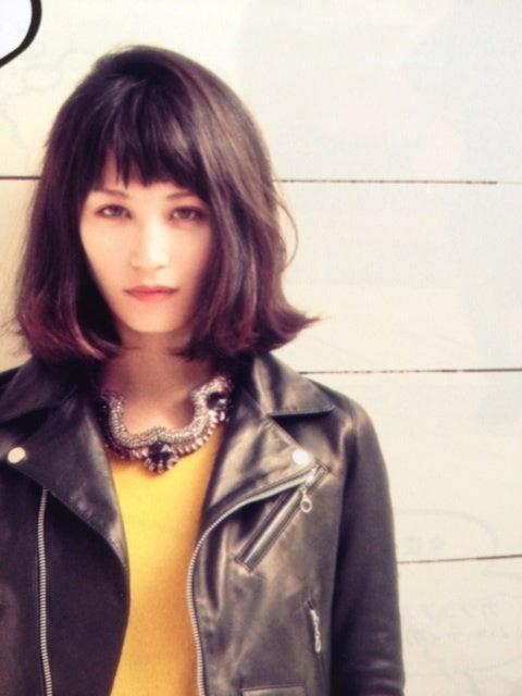 ショートヘア 髪型 ミセス