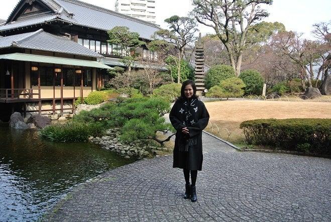 銀座由美ママの心意気-大阪太閤園 庭園 由美ママ