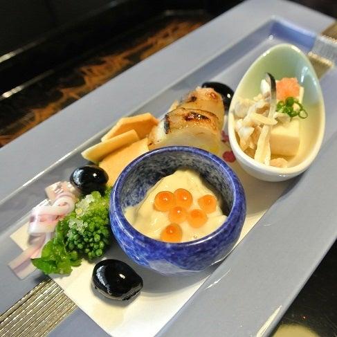 銀座由美ママの心意気-太閤園 淀川邸 茶室 大炉  前菜盆