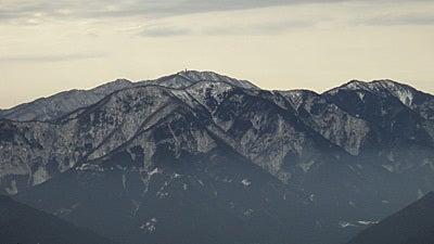 おやまのしゅっぽ 出発進行~♪-山頂から見る山脈