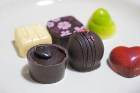 $大阪スイーツレポーターちひろの辛口スイーツランキング-西宮チョコレート デリスモア ボンボンショコラ