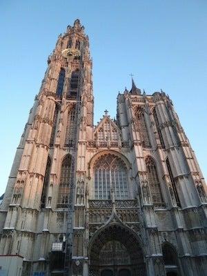 夕暮れの大聖堂