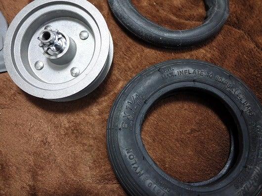 自転車の 自転車ノパンクタイヤ交換 : このタイヤ、はめるのも大変な ...