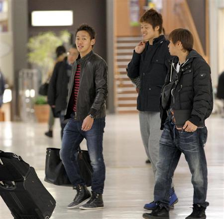 サッカー日本代表 ラトビア戦 選手 出発 海外