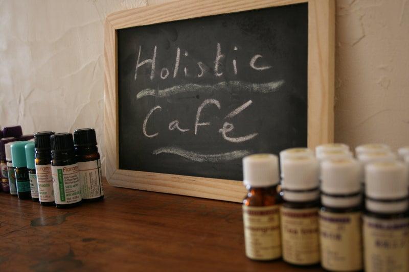 ~ Holistic café アロマテラピーサロン ~-ホリ看板