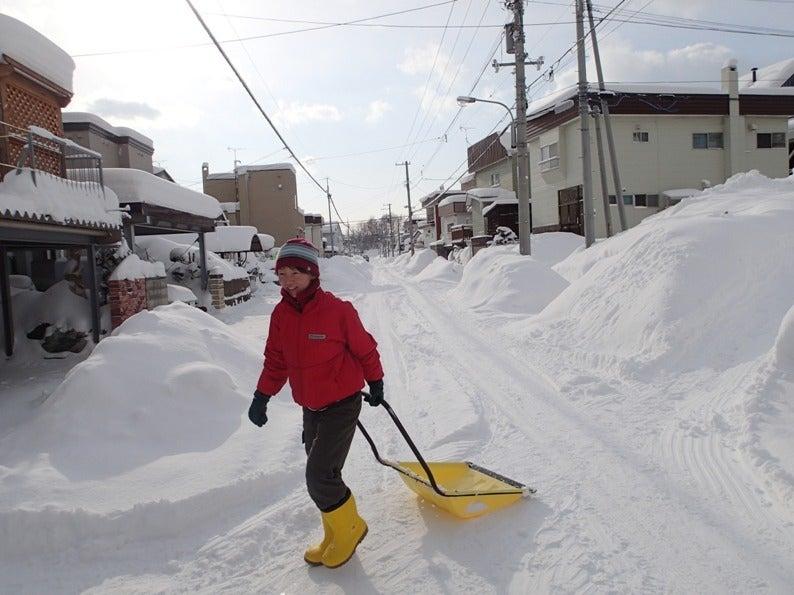 歩き人ふみの徒歩世界旅行 日本・台湾編-雪かき中