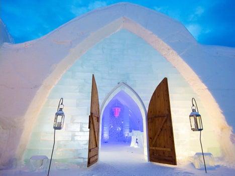 初めてのオートキャンプ!子供と一緒にキャンプに行こう!-氷でできた美しいホテル2