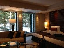 $ボストンテリア ヨナ と 息子 のドタバタ日記-ホテルの部屋