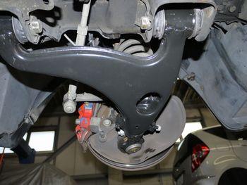 ベンツトラブルナビゲーター | ~ベンツ修理,相談室~-W124 500Eロアアーム交換