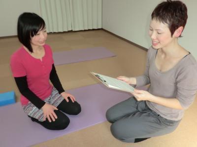 大阪市西成区で30代からのあきらめない身体をつくるヨガ・ピラティス-カウンセリング