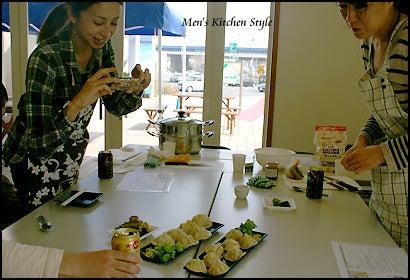 男の料理教室【メンズ・キッチン】メンズ・キッチンスタイリストYOKO(福本陽子)-夫婦料理教室イベント メンキチ(メンズキッチン)