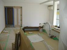 甘棠のブログ-キッチンの奥からリビングの入り口を見る