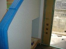 甘棠のブログ-玄関横の階段の袖壁