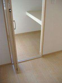 甘棠のブログ-反対側は布団棚と枕棚