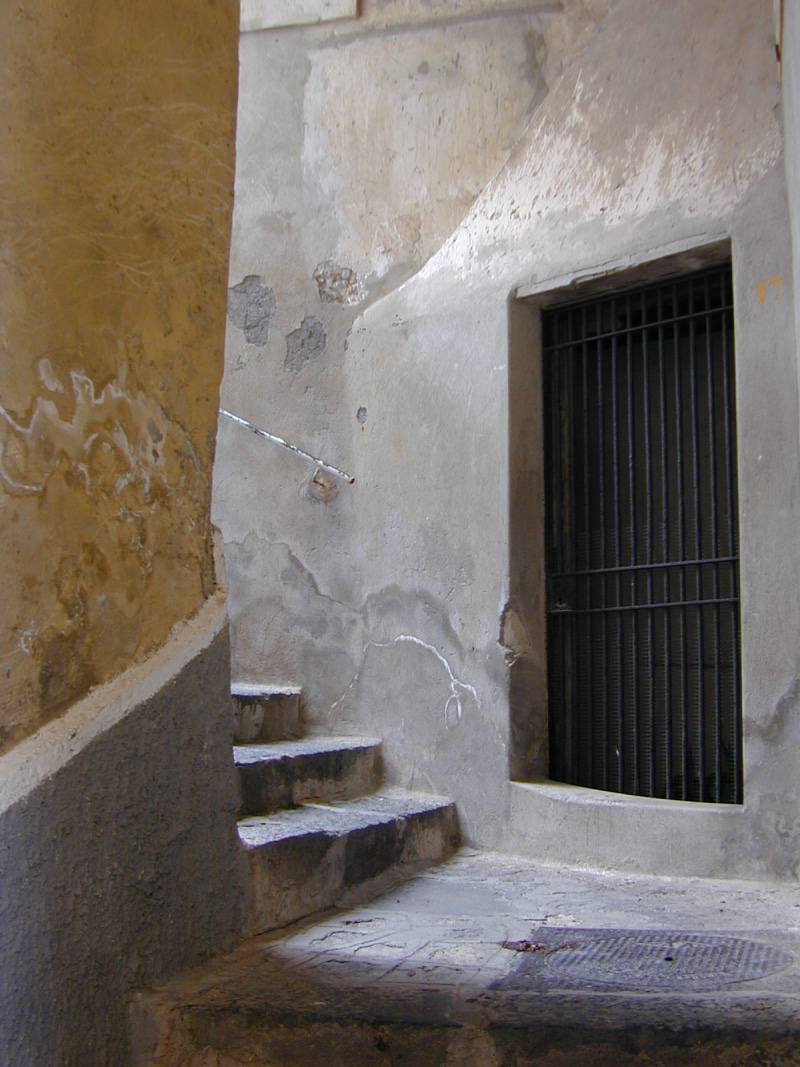 【彼女の恋した南イタリア】 - diario  イタリアリゾート最新情報    -ポジターノ、フォルニッロの階段路地