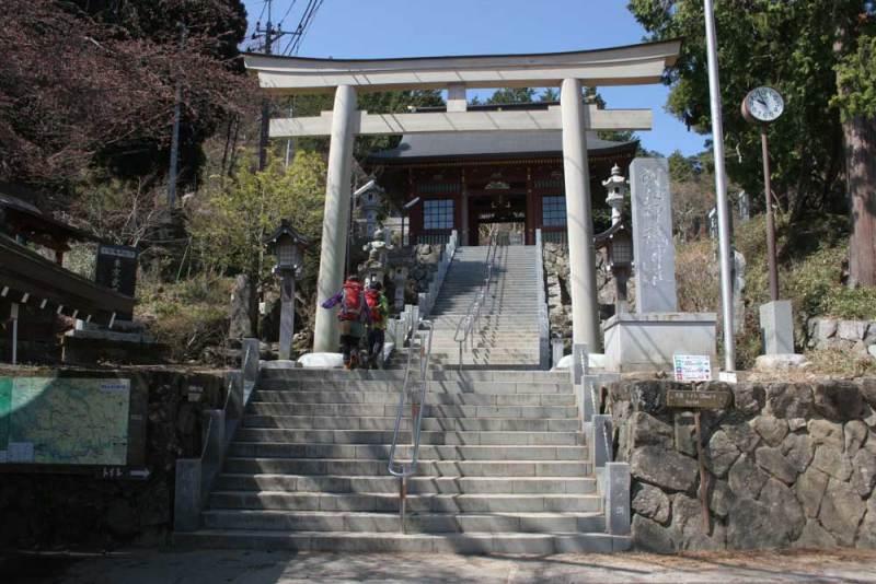 御岳城/御岳神社の山門