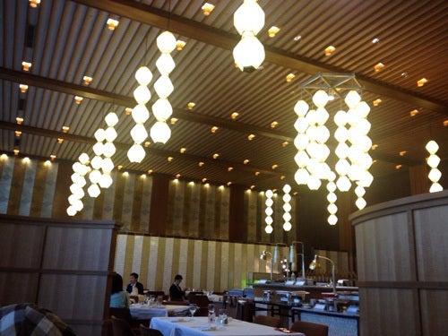 むーさんブログ-ホテルオークラロビーオーキッドルーム
