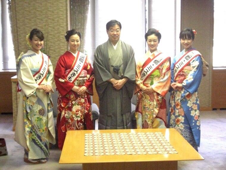 京都きものオーディション-京都府知事山田様と写真