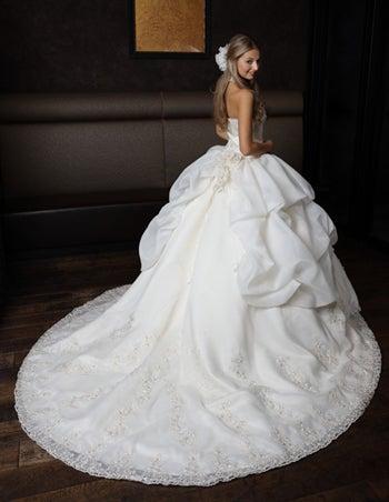 My dress is・・・♡運命の1着が見つかる最新人気ウェディングドレス集【2\u2026