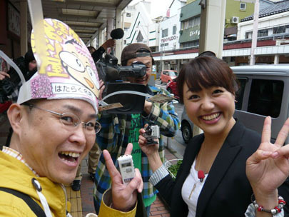 スマイルスタジアムNSTで中田エミリーさんの取材に同行する新潟の魔法の名刺屋