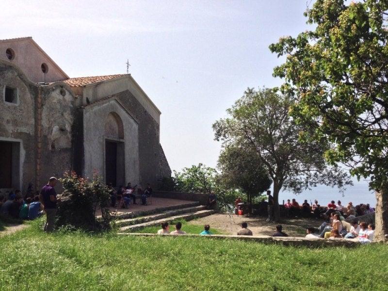 【彼女の恋した南イタリア】 - diario  イタリアリゾート最新情報    -神々の調べも今日から!