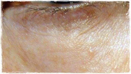 フィトリフト口コミ、ふきとり化粧水から始まるエイジングケア-フィトリフト使用前の目元
