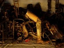 アウシュヴィッツ強制収容所 障害者から取り上げた義足など