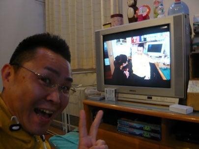 スマイルスタジアムNSTで中田エミリーさんにインタビューされる新潟の魔法の名刺屋