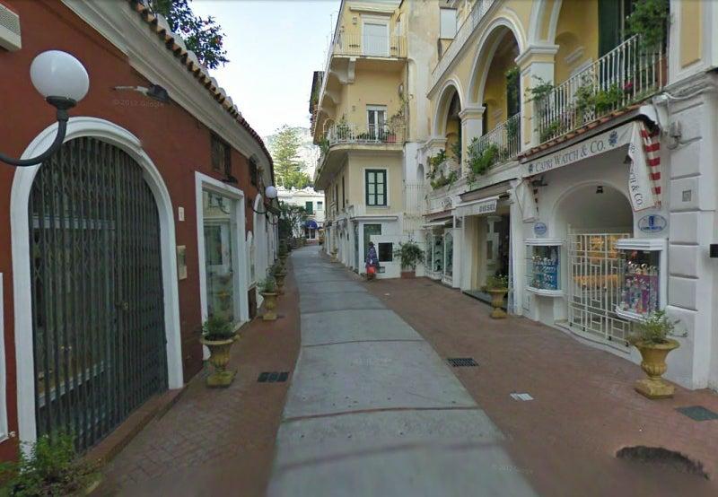 【彼女の恋した南イタリア】 - diario  イタリアリゾート最新情報    -カメレッレ通りの戦い、勃発か?