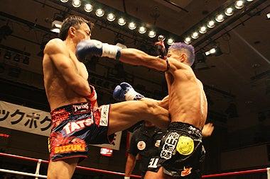 新日本キックボクシング協会-TATSUROvs白木伸美