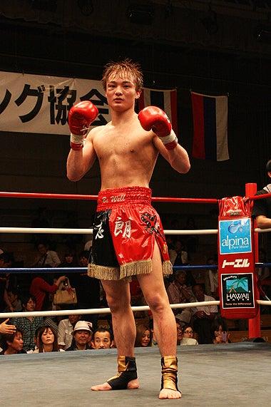 新日本キックボクシング協会-志朗vsサイロムノーイ・ティデットガウガウ