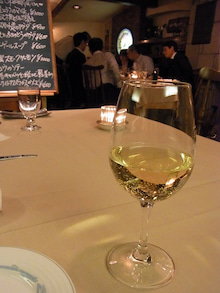 神戸のカラーリスト スタイリスト  トータル素敵プロデューサー☆みつこのブログ-白ワイン