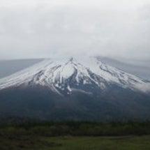 富士山は笠をかぶって…
