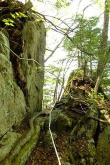 15岩間の隘路