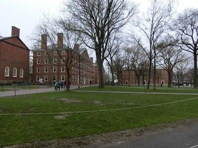 キャンパス1