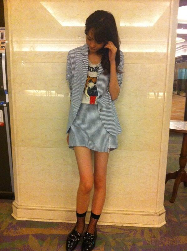 ストライプの私服の桐谷美玲