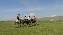 モンゴルで働くジャーナリストのblog-天の川乗馬 ナーダム乗馬 馬官