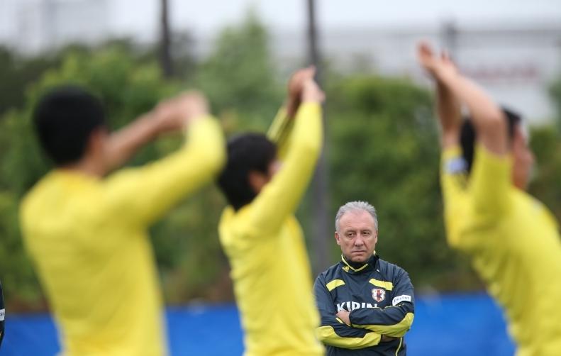 ザッケローニ監督 サッカー Jリーグ 日本代表