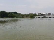 北京での小さなできごと        La vie avec les gateaux  -ボート at chaoyang park